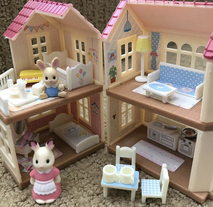 Sylvanian Families / Calico Critters Mini Series Red Roof Country Home