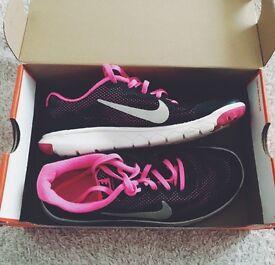 Nike gym/running trainers