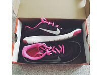 Nike gym/running trainers