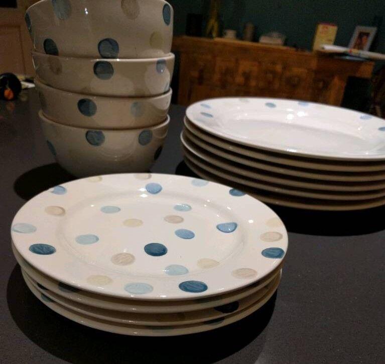 Crockery Set - bowls, plates and side plates