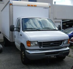 2004 Ford Econoline Cutaway Chassis