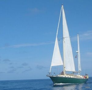 40 Ft of Happiness for Sail...1973 Allied Mistress