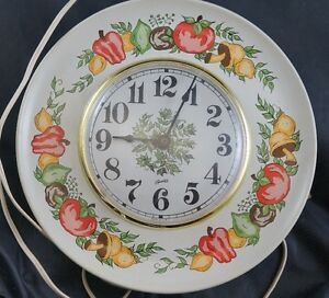 VINTAGE 60s ELECTRIC VEGETABLES Kitchen Wall Clock