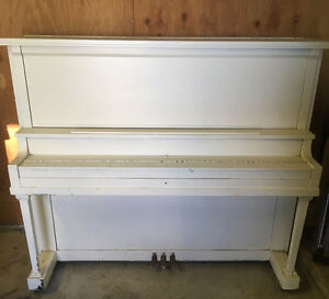 Baldwin Upright Piano For Sale.