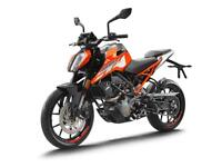 KTM 125 Duke 2018, with £500 worth of clothing & accessories