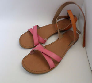 Nine pairs of ladies shoes all size 6, price per pair from $3
