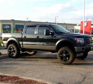 *PRICE DROP* Fully Loaded, Lifted Ford F-150 FX4