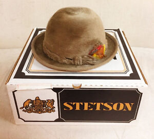 520: Vintage Size 7 Stetson Beaver Hat With Feathers