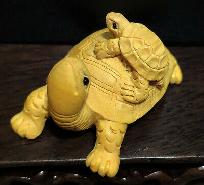 Vintage hand carved wood turtle tortoise Netsuke figurine SYSN-113