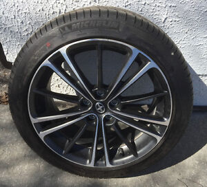 Four 17 inch Tires MICHELIN PRIMACY HP - LESS THAN 500km OF USE