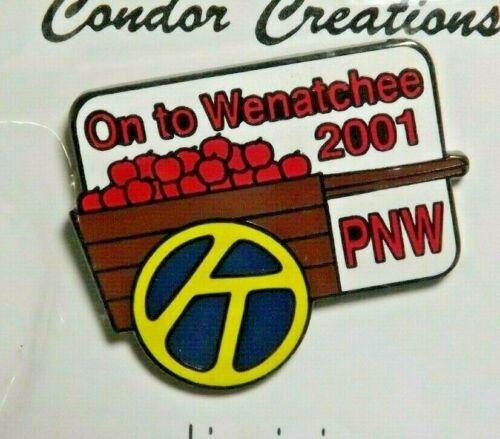 2001 Kiwanis International PNW Lapel Pin On To Wenatchee Washington Apple Cart