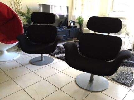 2 MODERN SWIVEL ARM CHAIRS (CAN DELIVERY)