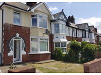 A double room to let in a shared house on Ridgefield Road, Oxford all bills are included.