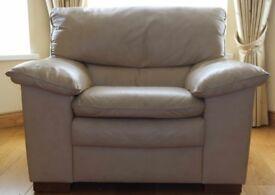 Cream leather suite.