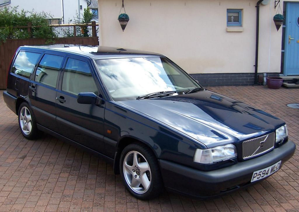 VOLVO 850 T5 CD AUTOMATIC ESTATE CAR, NAUTIC BLUE, BEIGE LEATHER, EXCEPTIONAL... | in ...
