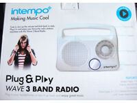 White Radio, New & Boxed (3 band!) portable, easy to use, either on mains or batteries £11