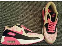 **Brand New** Size 4 girls air max's!!