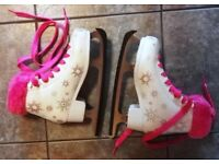 GIRLS ICE SKATES SFR ECLIPS SIZE 2 + CARRYING BAG