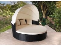 **FREE UK DELIVERY** Rattan Daybed with Hood Rattan Garden Conservatory Furniture - BRAND NEW!