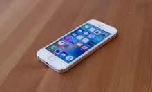 iPhone Silver 5s 16gb Coorparoo Brisbane South East Preview
