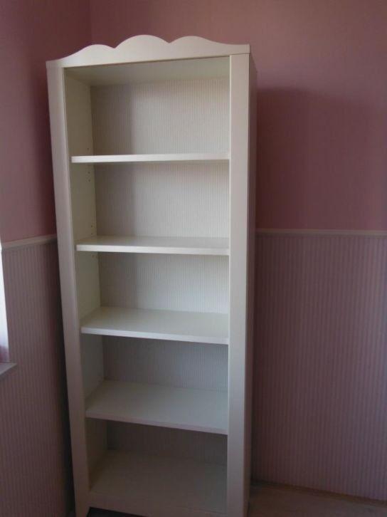 Pretty White Shelves Ikea Hensvig
