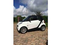 2011 White Smart Car Convertible. Excellent conditon. ONLY £36,000 MILES!!!