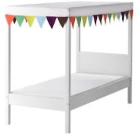 KIDS SINGLE BED 4 POSTER