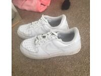 White Nike Air Force Size 7 (men or women's)