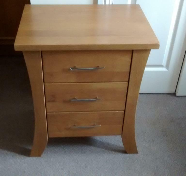 Small chest of 3 drawers bedside table solid wood light for Small bedside chest of drawers