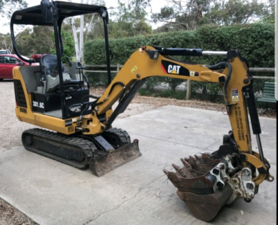 Mini Excavator for Hire. Warragul.  $300/day. Auger available
