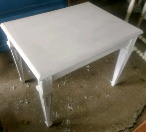 Excellent condition Side table