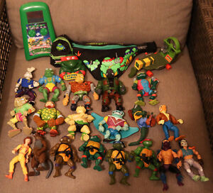Vinatge TMNT lot Action figures and more