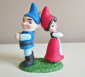 "2011 Hallmark ""Gnomeo and Juliet"" Love on the Lawn Ornament"