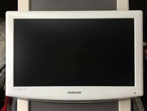 "SAMSUNG HDTV 23"" COLOR TV"