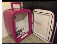 Mini Cooler/Warmer fridge in Excellent condition