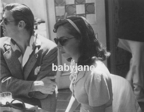 003 LUPE VELEZ JOHNNY WEISSMULLER CANDID AT PARTY WEARING SUNGLASSES PHOTO