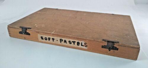 Vintage Grumbacher Dovetail Wood Artist pastel Box Storage Travel case