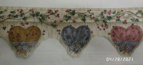 "Multicolor Rustic Wooden Hearts Scalloped Wallpaper Boarder, 6.7 ""Wide,15"