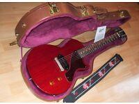 Gibson USA Les Paul Junior & Tan Guitar Case.