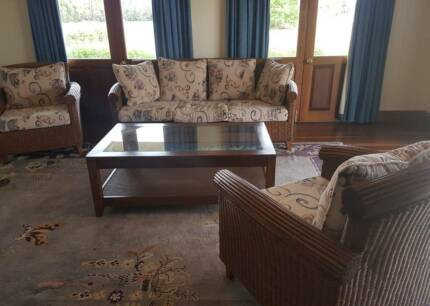 Cane Lounge suite with coffee table