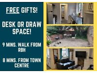 FREE Gifts and GREAT Rooms nr. Town Centre!