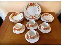 Vintage Retro Floral Design Dinner Service COLLECT LEEDS