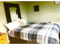 Friendly -Gay Flat Share for 1 Guy,King Size Room at The Shore