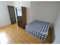 TO LET - 8 BEDROOMS ALL WITH EN-SUITES - IDEAL FOR A COMPANY LET/STUDENTS/PROFESSIONALS!!