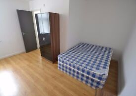 8 BEDROOMS ALL WITH EN-SUITES TO LET!! IDEAL FOR PROFESSIONALS/STUDENTS OR AS A COMPANY LET!