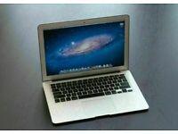 "11.6"" Apple MacBook Air Core i5 1.3Ghz 4GB Ram 121GB SSD Adobe 2020 Suite Photoshop Lightroom FCPX"