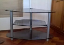 Glass TV stand , suits 32 inch TV , will deliver within Cardiff.