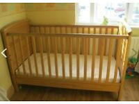 MAMAS PAPAS ASPEN COT BED RRP WAS £200 TEDDINGTON