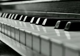 EXPERT PIANO TUITION in Central and South London - all ages and levels welcome