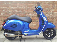 Piaggio Vespa GTS 300 Super with extras